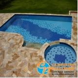 construção de piscina de fibra para chácara Caconde