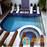 construção de piscina de pedra