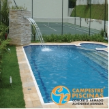 piscina de concreto com cascata Jockey Club