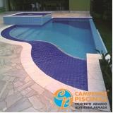 piscina de fibra com prainha Araras