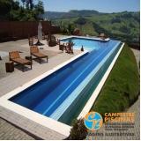 piscina de alvenaria com deck