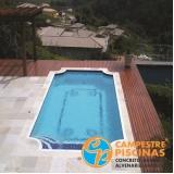 piscina de alvenaria com prainha