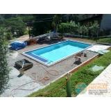 piscina de concreto com infantil