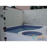 piscina em concreto e alvenaria