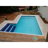 piscina de vinil acima do solo